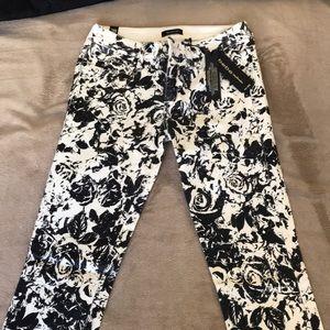 Bebe White/Black Floral Print sz.28 Jeans NWT